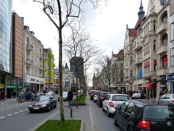 Einkaufen: Die Schloßstraße