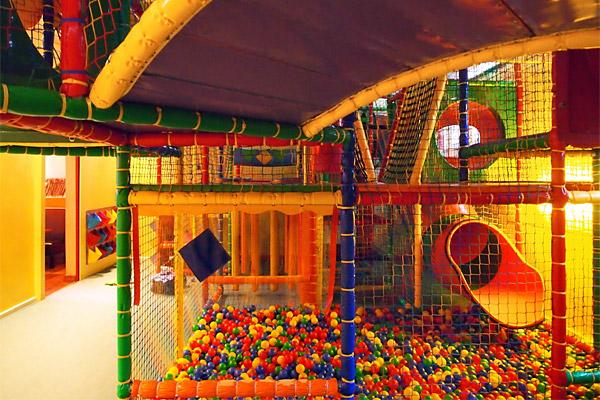 KiiWii Familienrestaurant Berlin - Indoor-Spielplatz